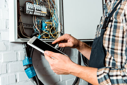 How to Sell a Fort Worth Home with Electrical Problems